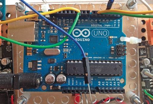 sterowanie robotem z Arduino Uno
