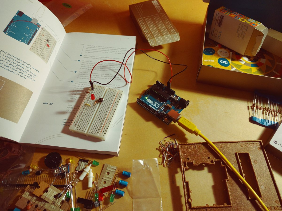 Arduino i serwomechanizm - Kurs Arduino cz. 5