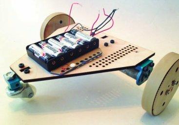 Budowa robota poruszającego się na kołach