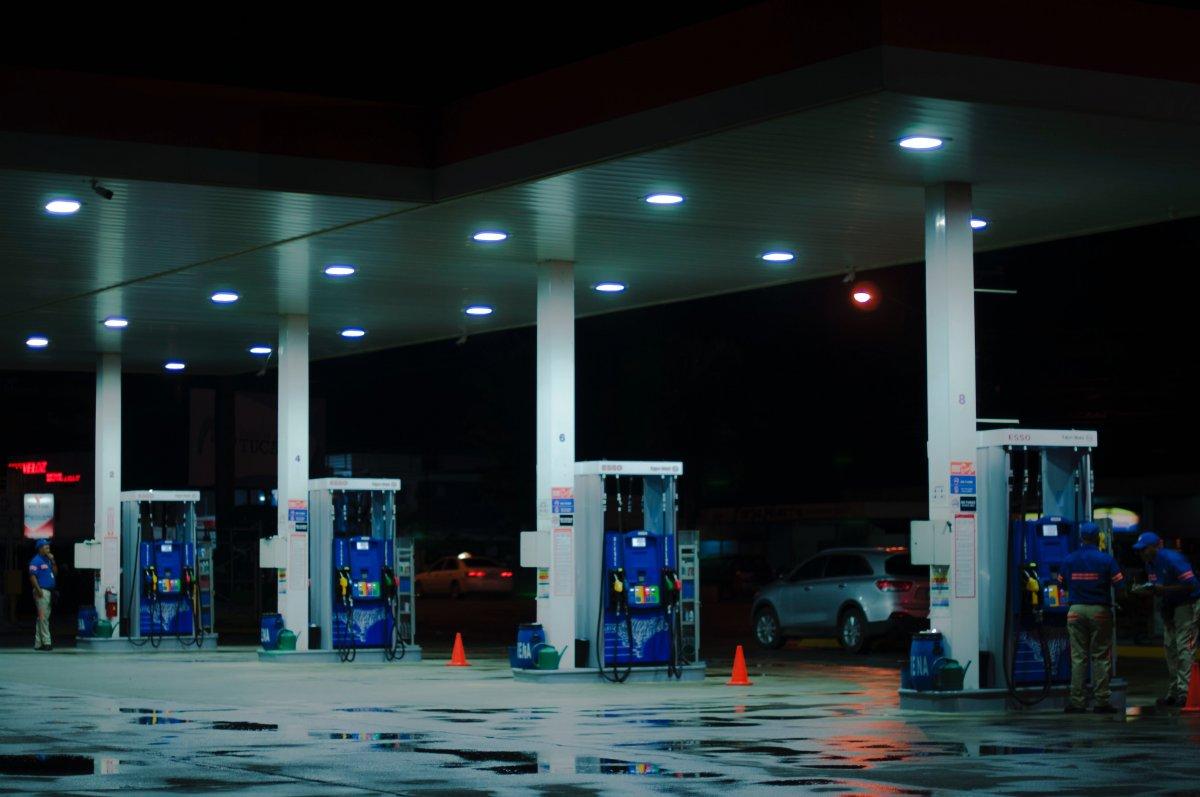 Dlaczego samochody spalają tyle samo, co 20 lat temu, chociaż spalają mniej?