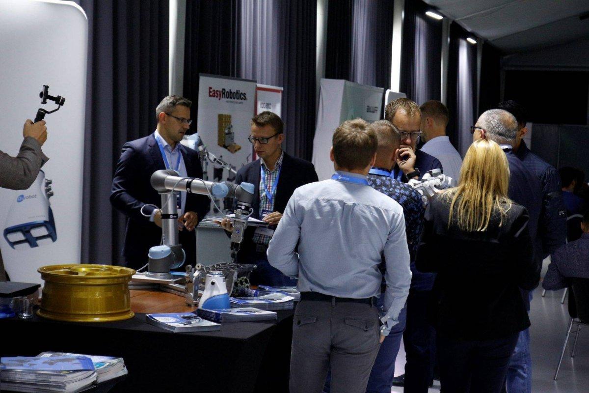 Roboty stworzone do współpracy -  Forum Cobotyki 2019