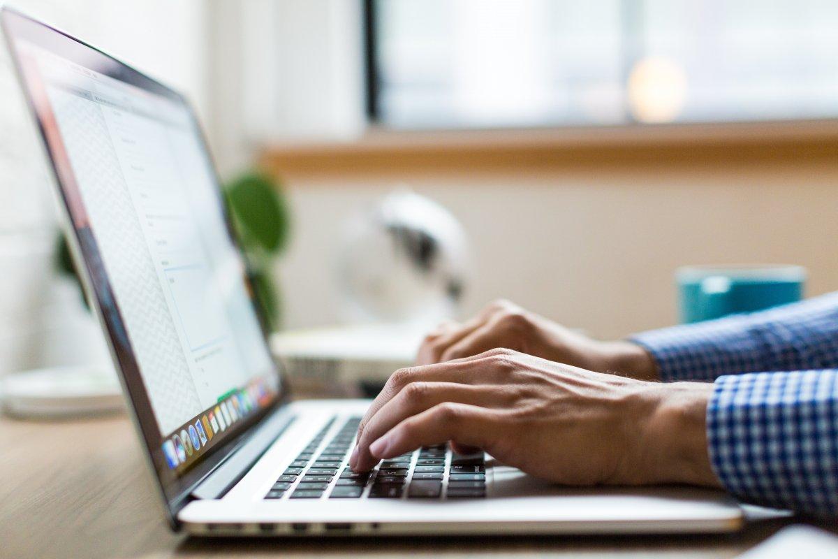 Co to jest VPN? Jak działa? Jak być bezpiecznym w Sieci?
