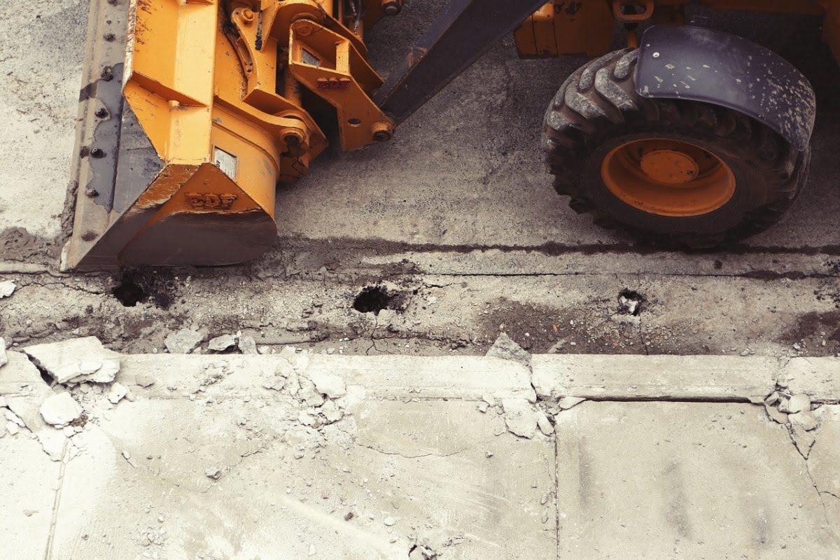 Jakie maszyny budowlane są najbardziej przydatne na budowie?