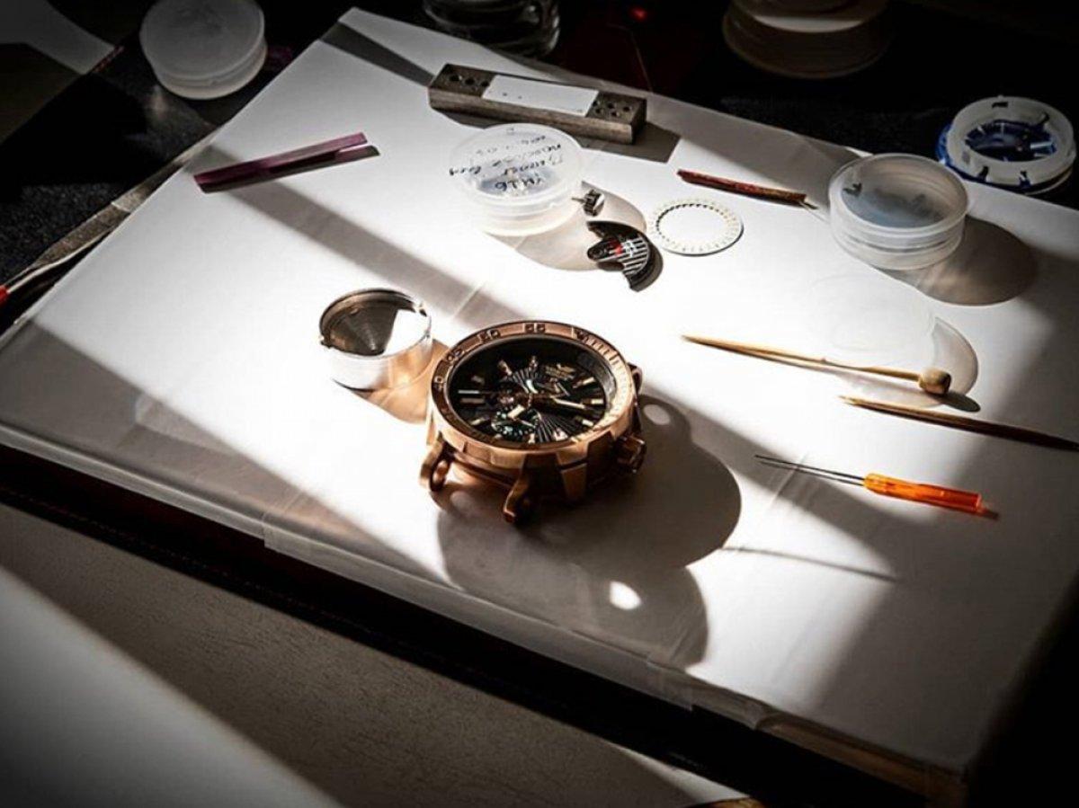 Zegarek tytanowy czy stalowy?