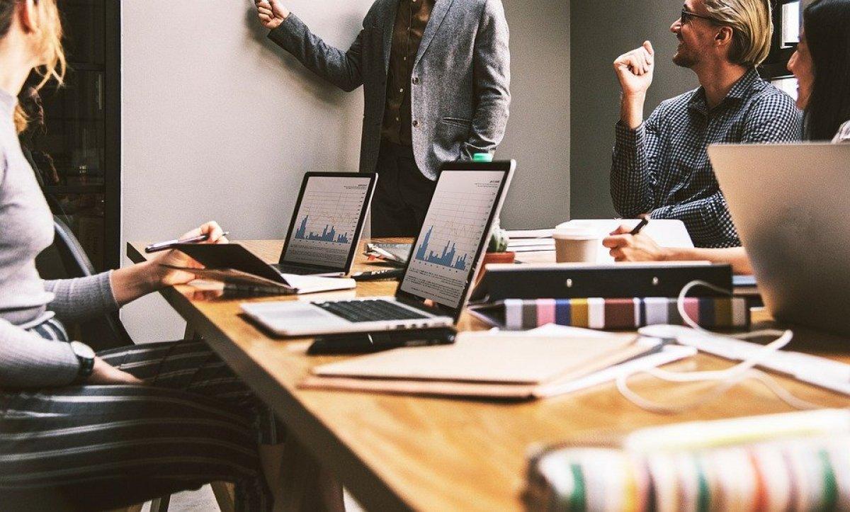 System zarządzania produkcją w firmie - czym jest i jak działa?