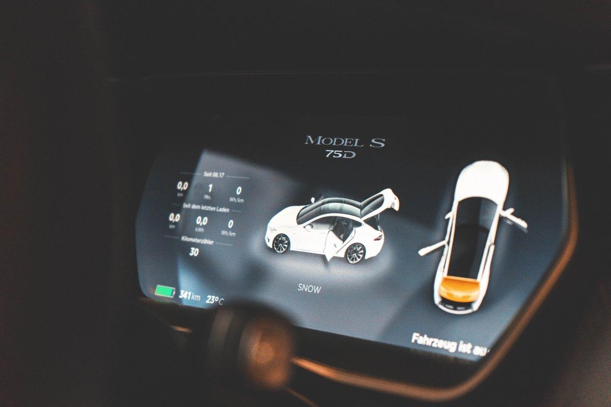 Polski silnik na wodę może zrewolucjonizować elektromobilność. Rozwiązanie pozwoli wydłużyć zasięg auta i żywotność baterii