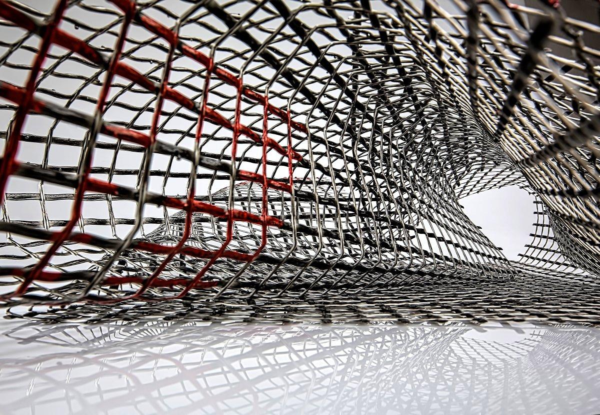 Nowy materiał z grafenu jest 200 razy mocniejszy od stali, a przy tym znacznie lżejszy. Będzie stosowany w branży motoryzacyjnej, budowlanej i lotniczej