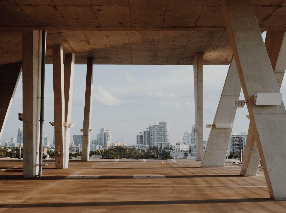 Czy beton może oczyszczać powietrze? - Tak, dzięki rewolucyjnej technologii z wykorzystaniem ditlenku tytanu TiO2