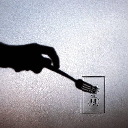 Mniej niż co setny Polak zmienił sprzedawcę prądu. Nadchodzi czas walki firm energetycznych o klienta