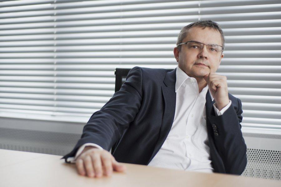 Reindustrializacja i ... re - energetyzacja Europy? <br/>  <br/>  Autor: Prof. nzw. dr hab. inż. Konrad Świrski