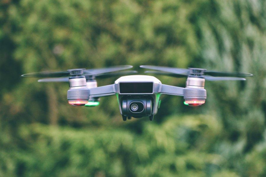 Drony coraz częściej budowane są z materiałów używanych w statkach kosmicznych